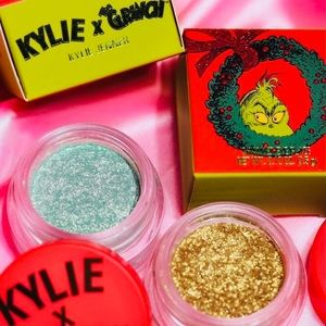 💚New Kylie x The Grinch Shimmer Eye Glaze Duo💚